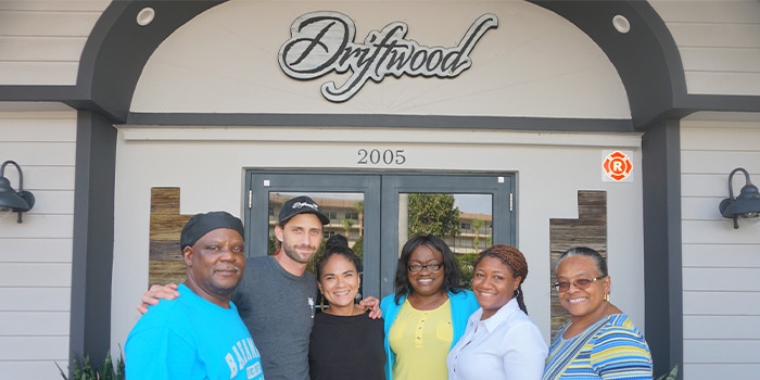 Driftwood Resturant Owners Team Up With Hey Sandy! PR to to Prepare a Traditional Bahamian Sunday Dinner