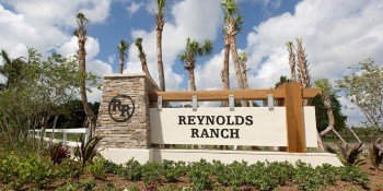 Burt Reynolds Hosts Ribbon Cutting Ceremony at K. Hovnanian® Homes' Reynolds Ranch
